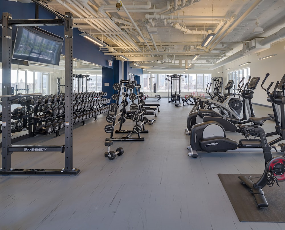 Fitness Facility, LEVEL Chicago – Old Town