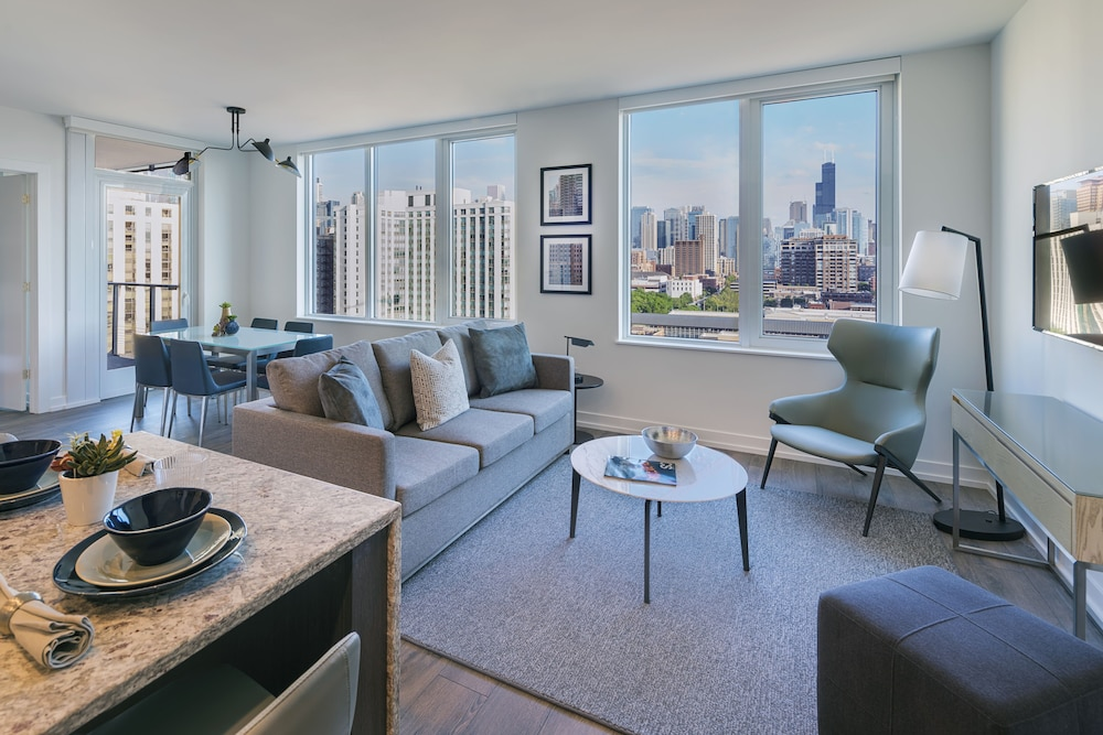 Living Room, LEVEL Chicago – Old Town