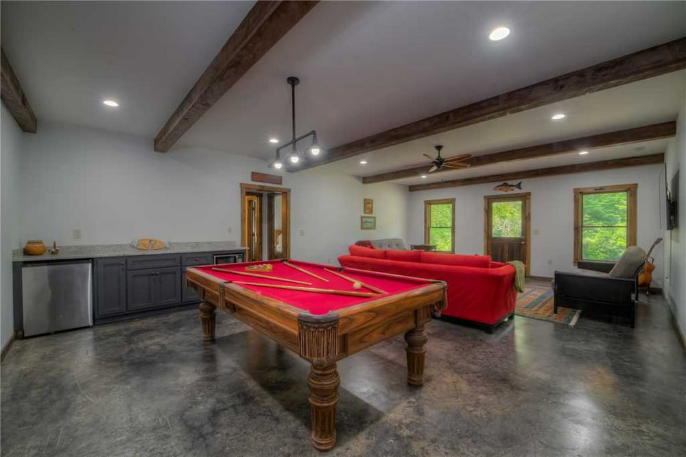 Game Room, Kenny's Place by Vacasa