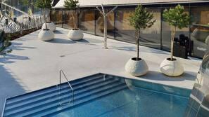 10 indoor pools, 10 outdoor pools, pool umbrellas, sun loungers
