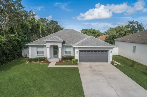 Immaculate 3 Bedroom + Office Near Fl's Award Winning Beaches!