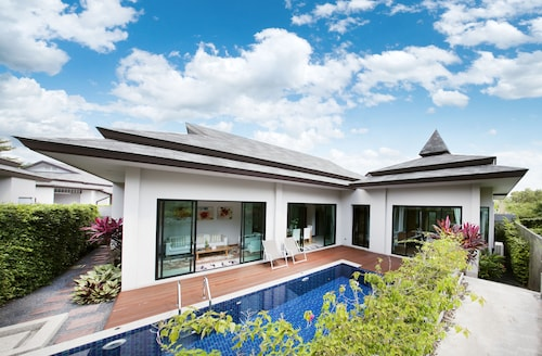 Tanode Villa By Rents In Phuket