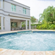 Luxurious 5 BR Villa Searenity in Dorado Beach East W/private Pool, Jacuzzi