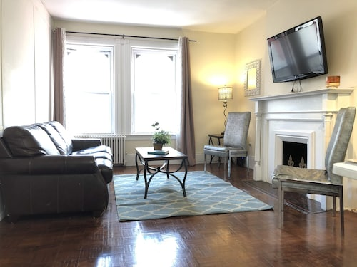 Upper East Side Massive 2 BED - Incredible Renovation - Skylight - New Floors