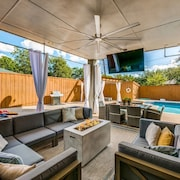 Texas House · Ultimate Texas Experience With Heated Pool&spa