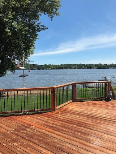 Newly Remodeled Riverfront Home With Private Ramp