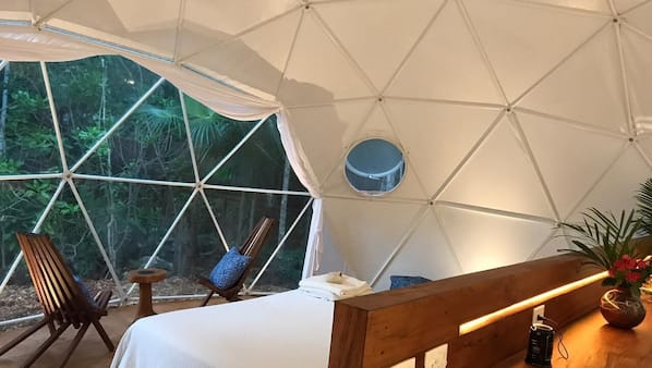 1 bedroom, in-room safe, WiFi, bed sheets