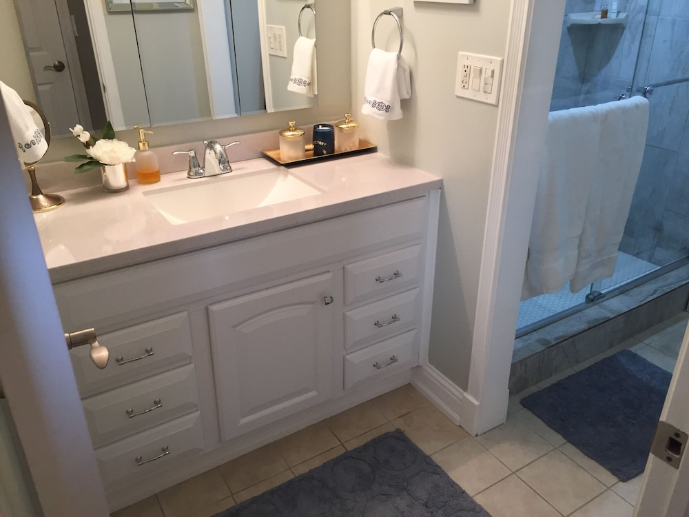 Bathroom, Furnished Downtown Penthouse Condo- ONE FINE STAY