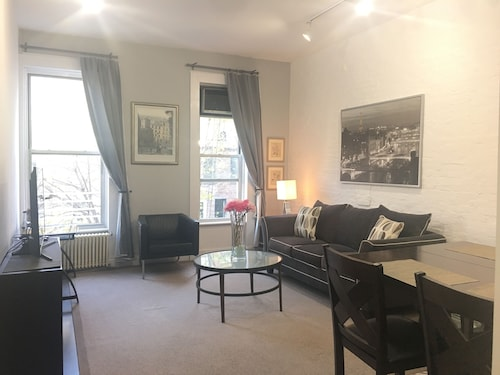 Breathtaking, Central Park 1 Bedroom