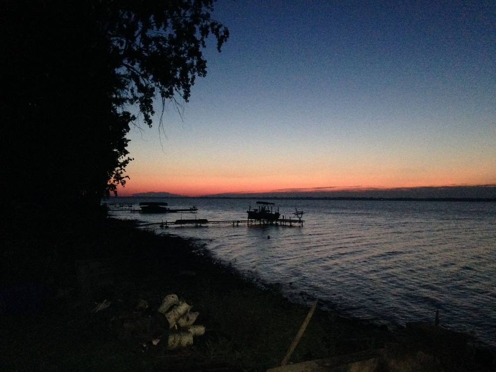 Beach, Cozy Cabin With Panoramic Lake Views, Quiet Area, Perfect For Family Get Aways!