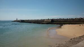 Perto da praia, toalhas de praia