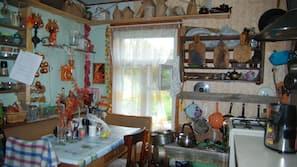 Fridge, stovetop, electric kettle, toaster
