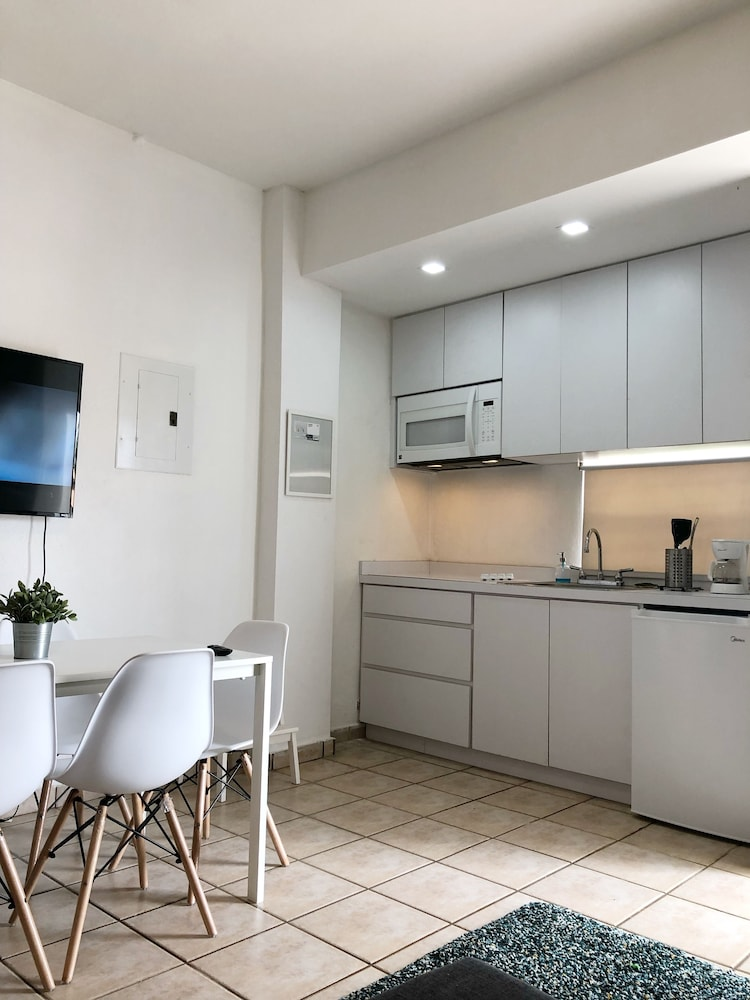 Private Kitchen, Boulevard Park IV 102 - This Is It Puerto Rico