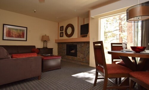 New Years in Tahoe 1 Bedroom 1 Bath Great Views Close to Heavenly & Casinos
