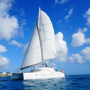 Crewed 52 Ft Luxury Catamaran Charter - Explore The Grenadines In Comfort!