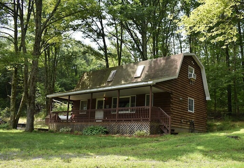 If you Love the Quiet Outdoors and Love the Nature you Will Love This Cabin