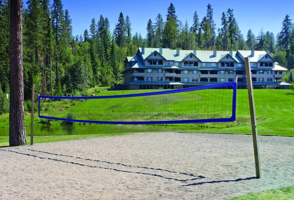 Sport Court, Beautiful Resort in the Heart of it All!