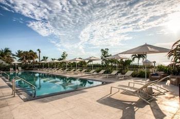Domio Miami Beach Beachfront Ocean View + Balcony 1 BR