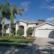 Estero, FLA - Beautiful Stoneybrook 5 Bedroom House