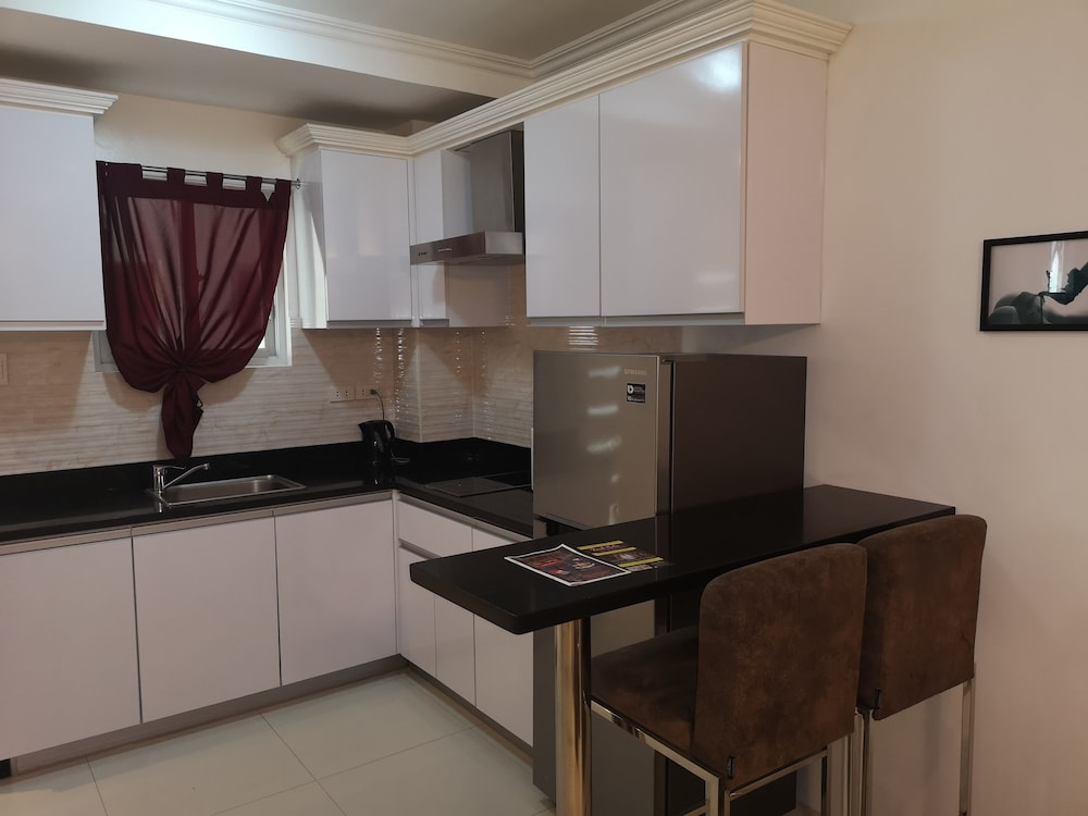 Private Kitchen, Large Luxurious 1 bedroom in kandi towers 1&2  in  Angeles city  Philippines