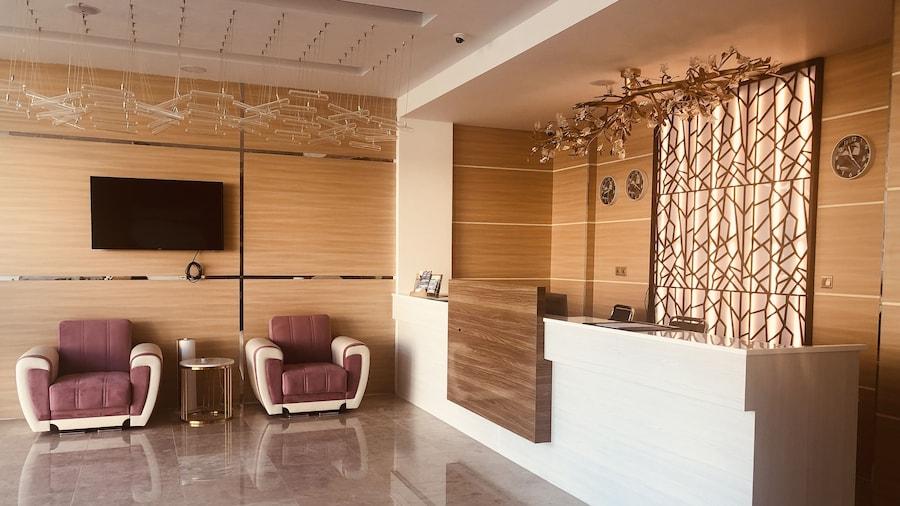 Seasons Hotel Barka
