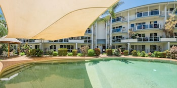 Coral Coast Apartments Palm Cove AVC