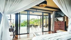 Minibar, individually decorated, free WiFi, linens