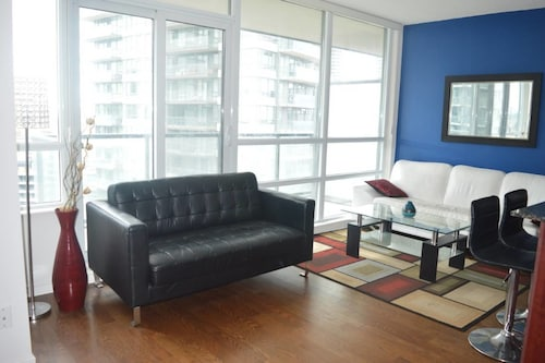 Luxury Condo at Lakeshore