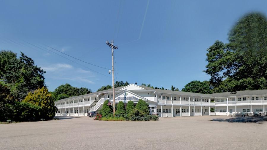 Hamilton Village Inn