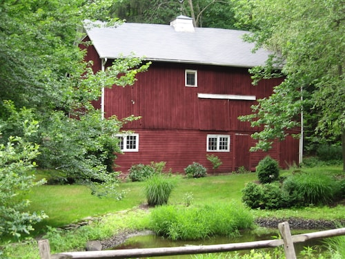 Farm House ON 30 Acres, 1 Mile TO Omega Private BED & Bath USE OF 1ST Floor