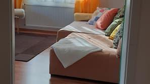 2 bedrooms, cribs/infant beds, Internet, linens