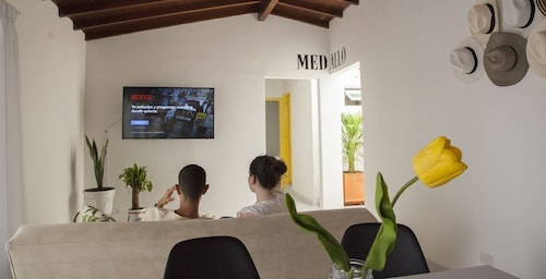 Apartment in the Center of Medellin Well Located - Home Aris 402