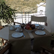 Lovely Traditional House in Skyros Village
