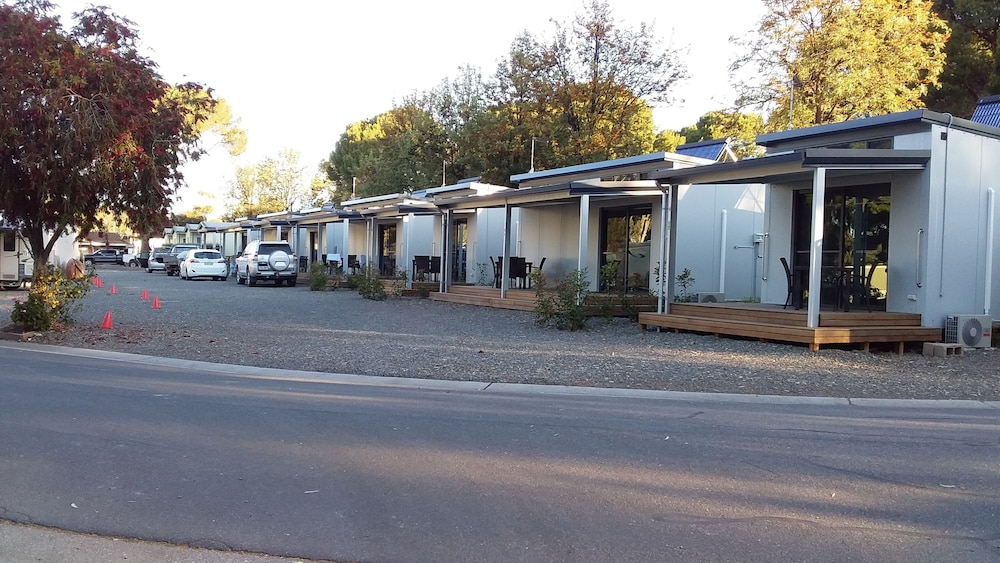 Parking, Gawler Caravan Park