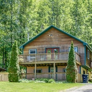 Private Chalet Abutting Conservation Hiking Land Walking Distance From Downtown