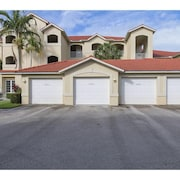 3 Bedroom, 2 Full Bathrooms 1589 Square Foot Condo in Windstar on Naples Bay