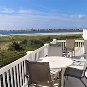 Beachfront With Inlet and Avalon Skyline Views! Clean, Comfortable & Convenient!