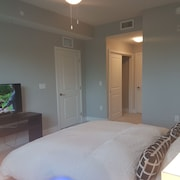 Sawgrass Apartment Walking Distance TO THE Mall