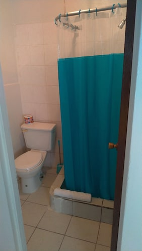 Authentic Antiguan Living Studio Apartment - Mings Apt
