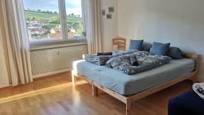 3 Schlafzimmer, Bügeleisen/Bügelbrett, WLAN, Bettwäsche