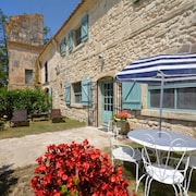 House With 2 Bedrooms in Saintes-maries-de-la-mer, With Pool Access and Furnished Garden - 25 km From the Beach