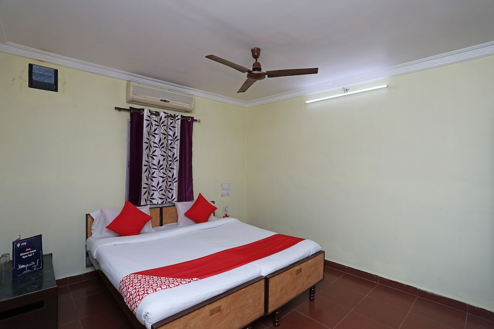 Featured Image, OYO 28355 Hotel Raj Mahal