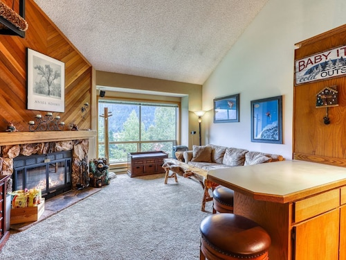 NEW Listing! Condo for Hiking or Skiing w/ Lift & Mountain Views!