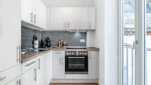 Fridge, hob, espresso maker, electric kettle