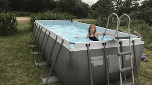 Sæsonbestemt udendørs pool