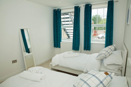 Everest Apartments Aldershot by SAZ Living
