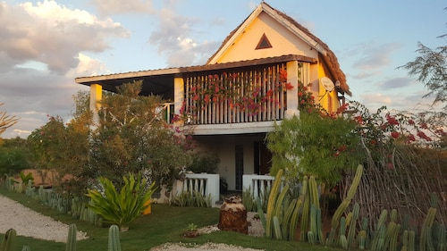 House With 4 Bedrooms in Ifaty, With Enclosed Garden and Wifi - 599 km From the Beach