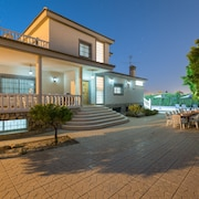 Fidalsa Villa Grand White House