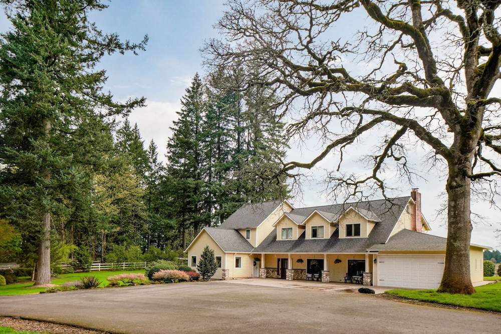 Exterior, Spacious Suite on Oregon Equestrian Estate