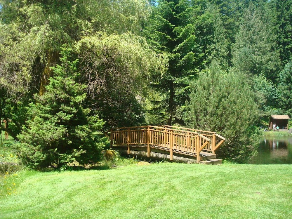 Property Grounds, Mt. Baker Lodging  Cabin 4 –Pet Friendly, Sleeps 5! by MBL